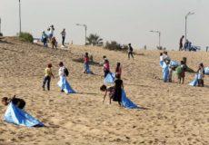 """La secrétaire d'Etat chargée du développement durable, Nezha El Ouafi, a donné, dimanche (15/10/17) à Casablanca, le coup d'envoi de la 7ème édition de la campagne """"Bahri Dima Clean"""", une opération annuelle de nettoyage des plages ayant pour but la sensibilisation et la mobilisation pour la protection du littoral."""