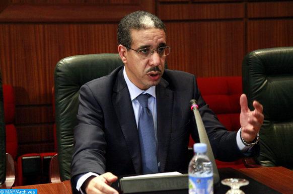 Le ministre de l'Equipement et du transport, Aziz Rabbah, s'exprimant, jeudi (31/01/13) à Rabat, lors d'une rencontre sur l'externalisation des travaux routiers.  (MAP/Ayouchi Yassine)