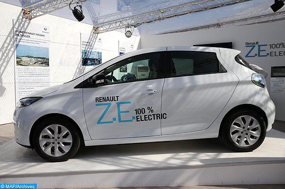 Des voitures électriques exposées à la COP22
