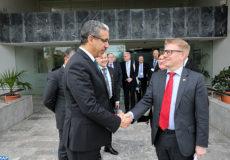 Le ministre de l'Énergie, des Mines et du Développement durable, Aziz Rabbah, s'entretient, mercredi (24/01/18) à Rabat, avec le ministre finlandais de l'Environnement, de l'Énergie et du Logement, Kimmo Tiilikainen , en visite au Royaume à la tête d'une importante délégation composée de 19 représentants d'entreprises s'activant dans les secteurs de l'eau, de la gestion des déchets, de l'énergie et de la bio-économie.