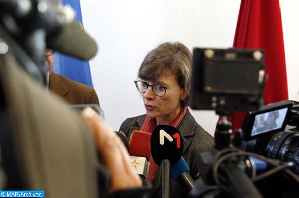 La Chef de la délégation de l'UE au Maroc, Claudia Wiedey, donnant, jeudi (19/04/18) une déclaration à la presse à l'issue de la recontre entre le Maroc et l'Union Européenne sur le renouvellement du protocole de partenariat dans le domaine de la pêche.