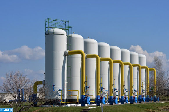 A picture taken on April 22, 2015 shows a gas installation at a gas-pumping station on the gas pipeline in the small town Boyarka on April 22, 2015 in the Kiev region. The oil and gas market of Ukraine has about 500 companies and enterprises of different ownership. AFP PHOTO / GENYA SAVILOV / AFP PHOTO / GENYA SAVILOV