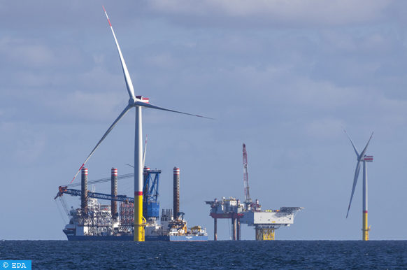 epa07017402 The jack-up vessel 'Sea Challenger' navigates in the wind farm 'Arkona' in the German Baltic Sea near the island of Ruegen, Germany, 13 September 2017. The currently largest wind farm in the Baltic Sea is in its final construction phase with 40 of the planned 60 wind turbines already built. The last turbine is expected to be installed by the end of October 2018. The wind park with a capacity of producing up to 385 megaWatts of electric power costs 1.2 billion euros. It is planned to start its electricity production at the beginning of the year 2019.  EPA-EFE/JENS KOEHLER
