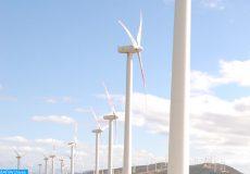 Les membres de la commission de l'Energie, de l'Environnement et de l'Eau de l'Assemblée parlementaire de l'UpM visitent, mercredi (26/09/12) le parc éolien de Tanger.(MAP Jalal Hamouda)