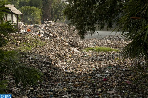 epa07268999 A general view of a polluted bank of the Citarum River in Bandung, West Java Province, Indonesia, 08 January 2019. According to reports, Citarum is one of the most polluted rivers in the world, with tons of plastic waste and wastewater, mostly from hundreds of textile factories, disposed directly into the river every day.  EPA-EFE/IQBAL KUSUMADIREZA