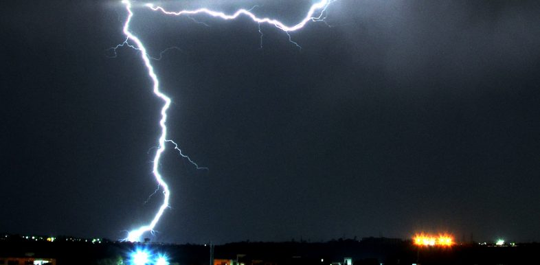 epa07487835 Streaks of lightning illuminate the sky during a thunderstorm in Bhopal, India, 05 April 2019 (issued 06 April 2019). Meteorologist reports state that weather throughout Bhopal is forecasted to remain unsteady with active dust-triggering winds along with some rain.  EPA-EFE/SANJEEV GUPTA