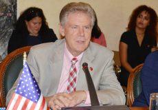 Le ministre des Affaires étrangères et de la coopération internationale Nasser Bourita, s'entretient, lundi (05/08/19) à Rabat, avec une délégation de congressmen américains, conduite par Frank Pallone, président de la commission de l'énergie et du commerce à la chambre des représentants.