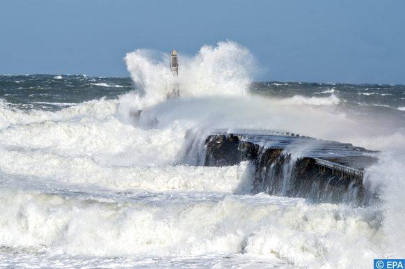 epa07848596 Strong wind and waves at Nordre Strandvej in Hanstholm at the West Coast of Jutland in Denmark, 17 September 2019.  EPA-EFE/Henning Bagger  DENMARK OUT