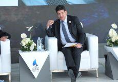 Le président de Masen, Mustapha Bakkoury présente l'expérience marocaine en matière de production d'énergie verte au forum d'Assouan (Egypte).