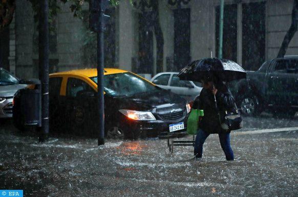 """الإعلان عن حالة تأهب لمواجهة عواصف """"قوية وشديدة"""" مرتقبة ببوينوس آيريس"""