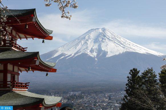 ثوران بركان في جزيرة كوتشينورابو اليابانية